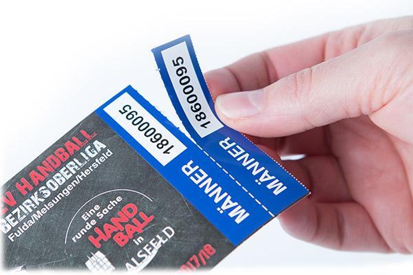 Bedruckte Etiketten als Eintrittskarte