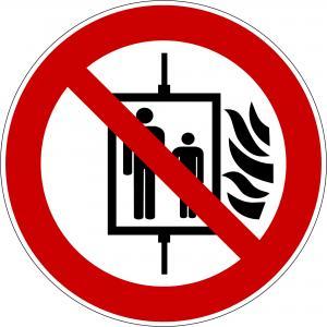 P020 - Aufzug im Brandfall nicht benutzen - selbstklebend  preis-günstig kaufen